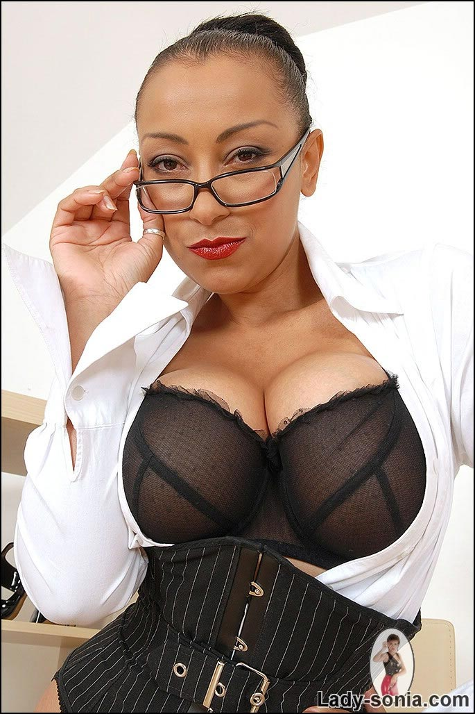 Bitchy boss Danica Collins looks sexy in these glasses