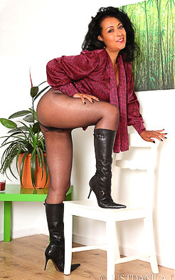 MILF looks classy in these leather high heel boots