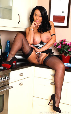 Countertop is a nice place for a MILF to strip at